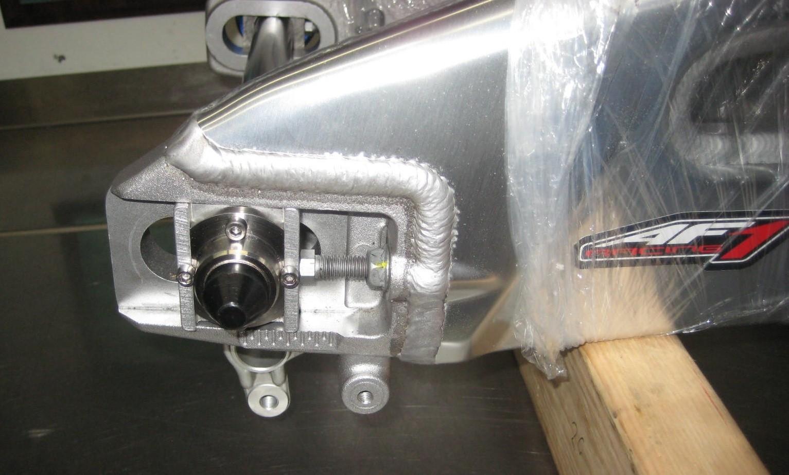Fast Frank Racing 09-14 Aprilia RSV4 APRC Rear Quick Change Kit (Uses OEM Axle Blocks)