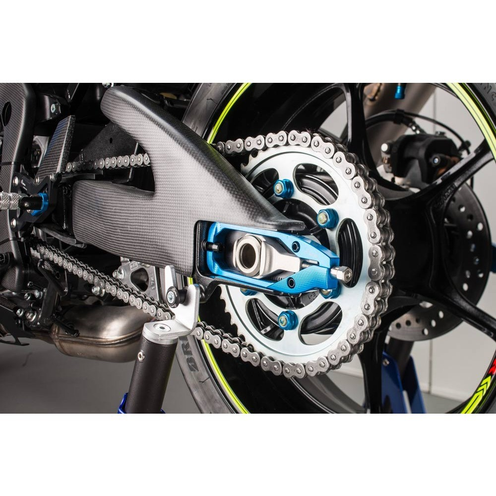 LighTech Gloss Carbon Swingarm Protector Set - 2017+ Suzuki GSX-R1000 / 1000R