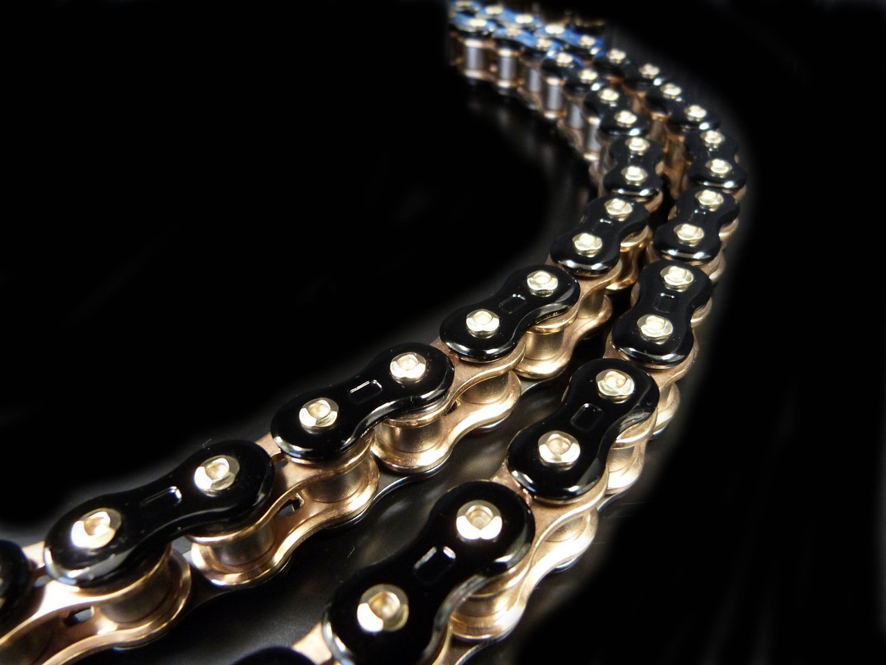 EK 3D (ThreeD) Chain - Black, Gold or Chrome