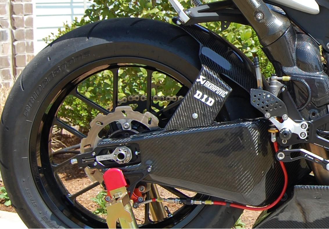 09-13 YZF-R1 Lacomoto Carbon Fiber Swingarm Covers