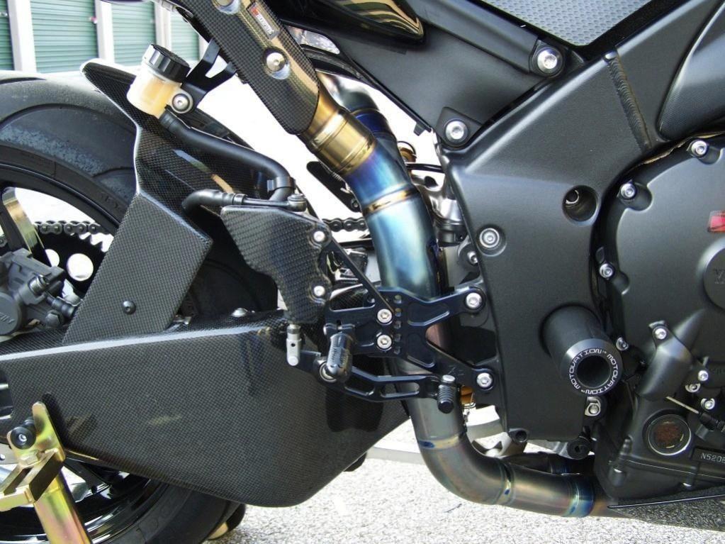09-14 YZF-R1 Lacomoto Superbike Carbon Fiber Rear Hugger