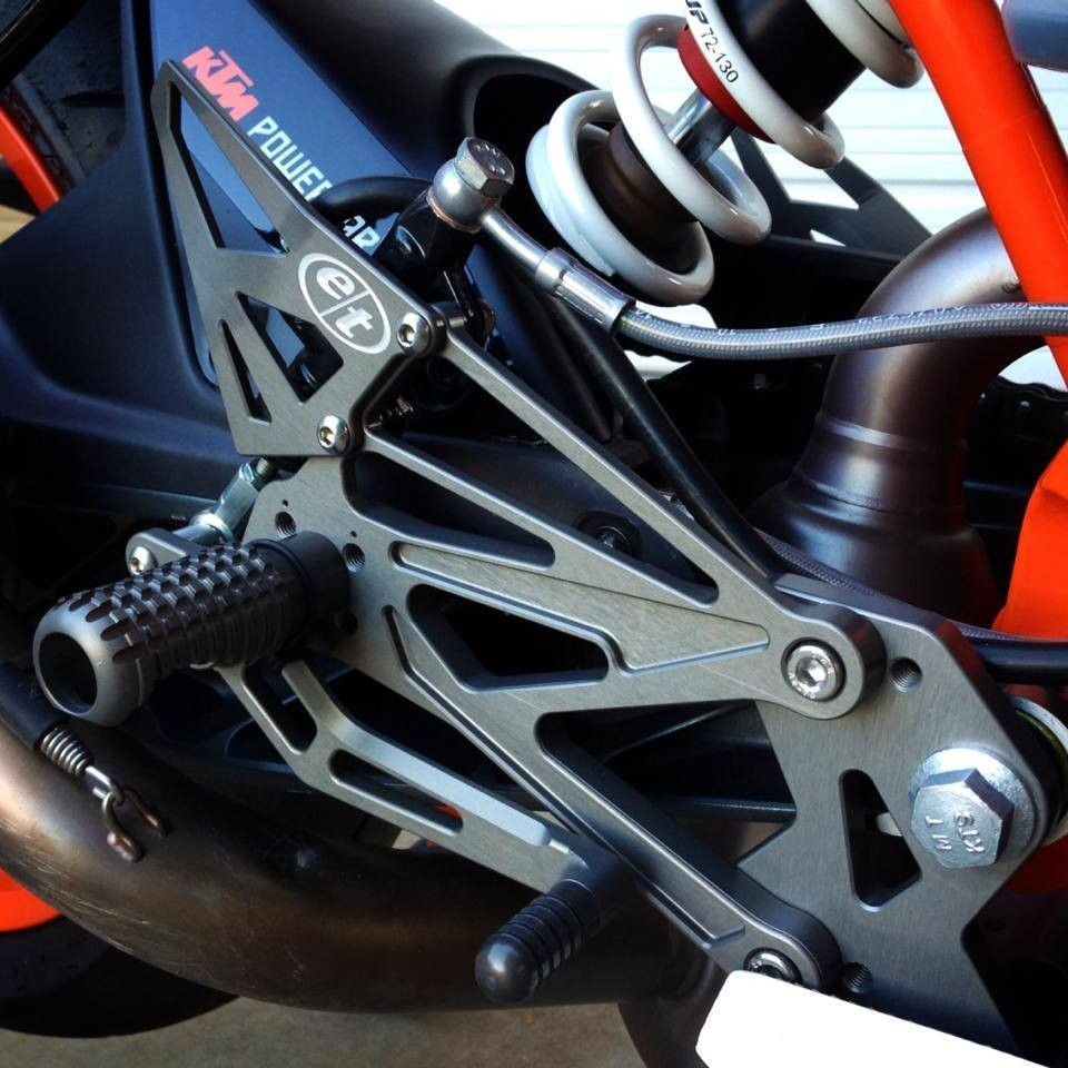 Evol Technology KTM RC 390 Rearsets