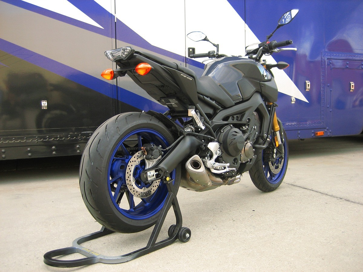 Graves Motorsports 14-16 Yamaha FZ-09 Fender Eliminator Kit