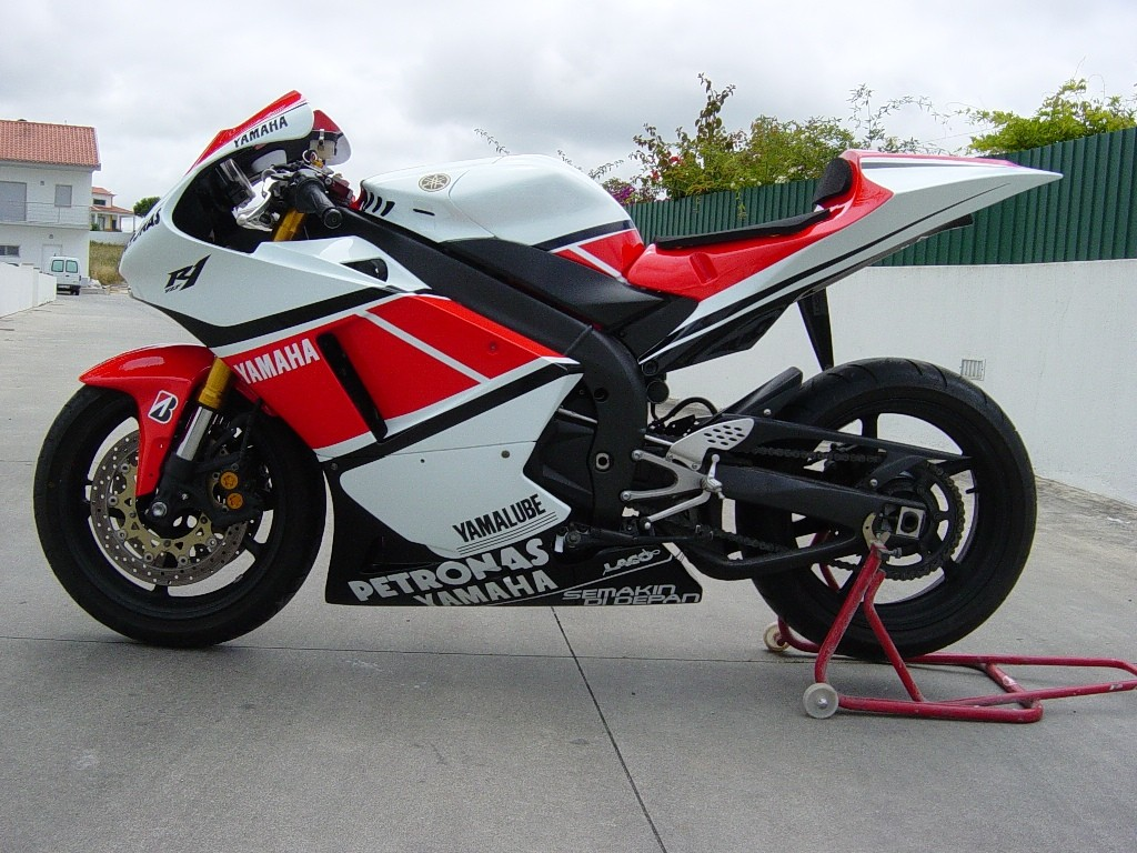 2004-2006 R1 Lacomoto M1 Replica Race Only